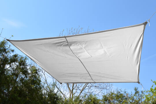 Fehér napvitorla 2,9*1,9*1,6*1,6 m trapéz