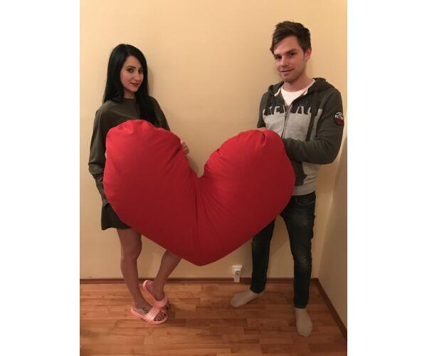 Óriás szív alakú párna